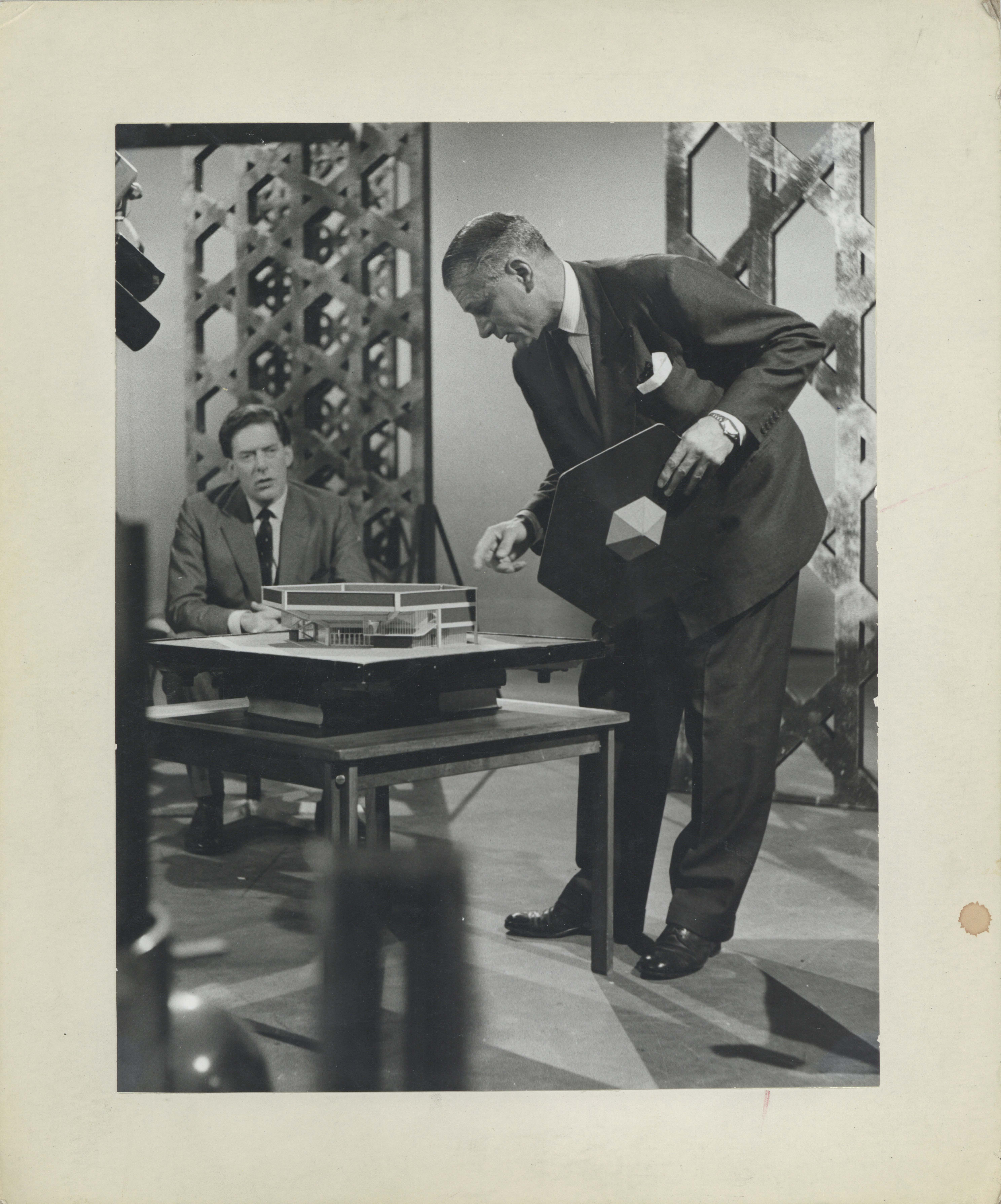 Photograph Architect Model Box - Photographer unknown - Date unknown - Laurence Olivier - Box 69 CFT WSRO H24.3xW19cm