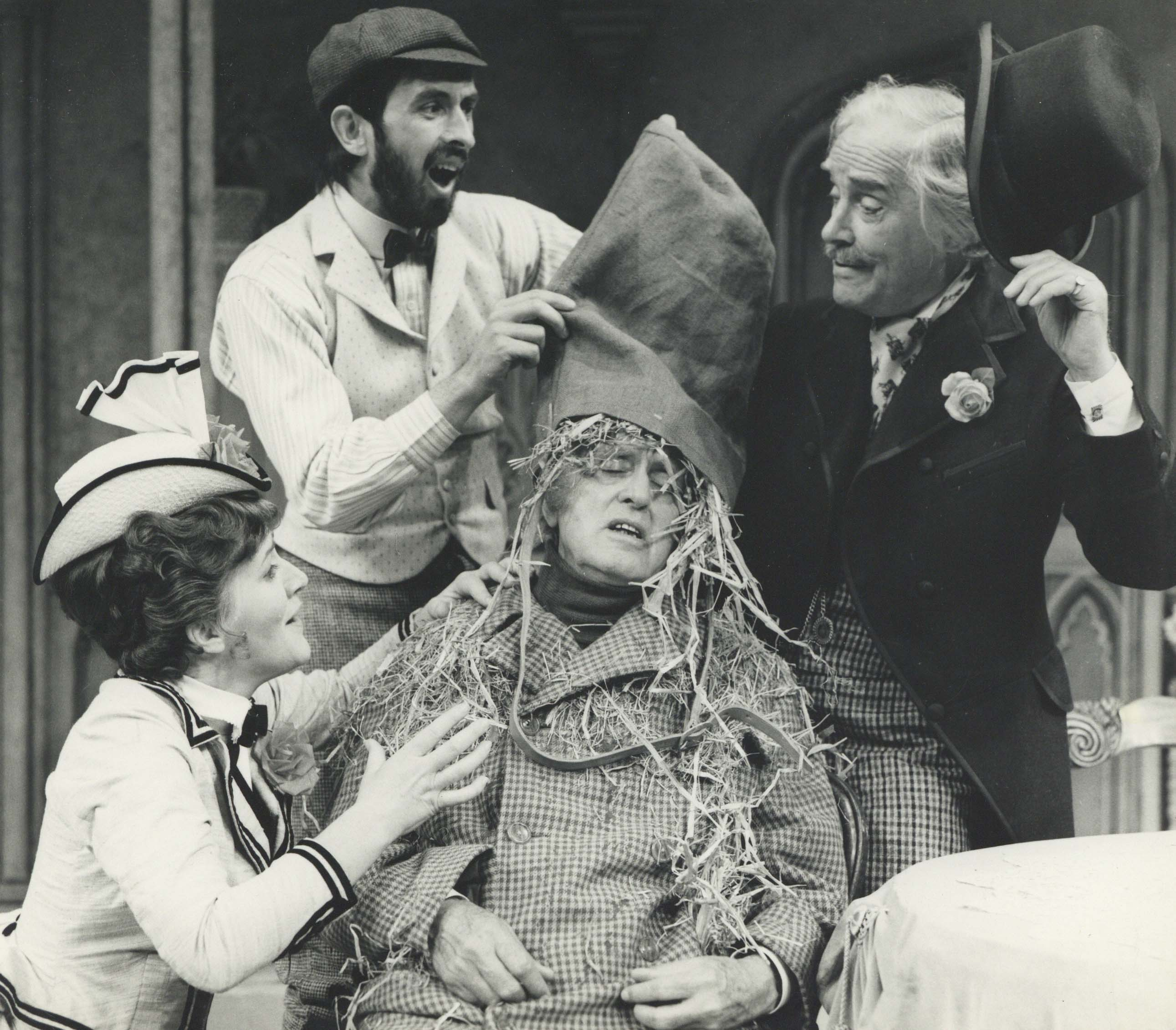 Production Photograph - Dandy Dick - Patricia Routledge, Richard Denning, Alastair Sim, Ralph Michael - 1973 - Photographer John Timbers (2)