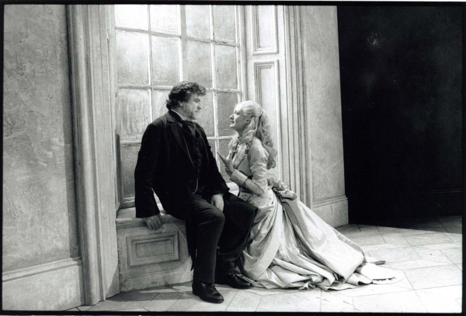 Production Photograph - Fortune's Fool - Alan Bates, Rachel Pickup - Photographer Ivan Kyncl - 1996 - H25xW20cm 1 of 2