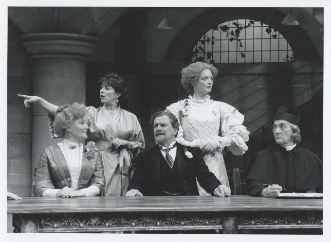 Production Photograph - Getting Married - Barbara Murray, Amanda Waring, Moray Watson, Serena Gordon, Nicholas Amer - Photographer John Timber - 1993 - H20xW25cm 1 of 2