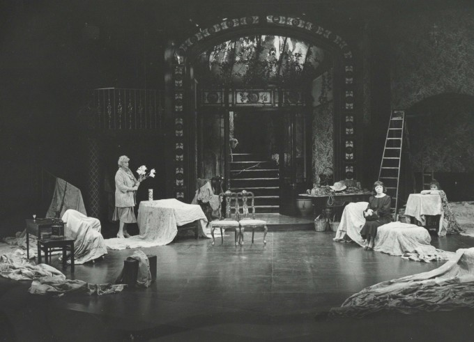 Production Photograph - The Chalk Garden - Dorothy Tutin, Richard O'Callaghan - Photographer Reg Wilson - 1986 - H20.5 x W25.5