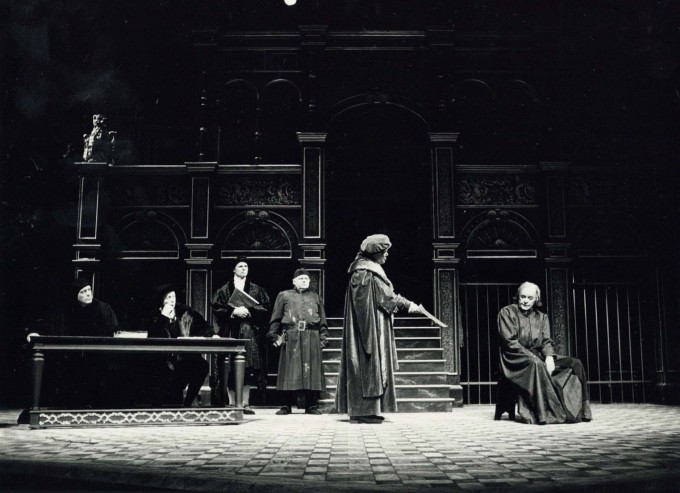 Production photograph - A Man for All Seasons - Tony Britton, Roy Kinnear - Photographer Reg Wilson - 1987 - H20xW25cm
