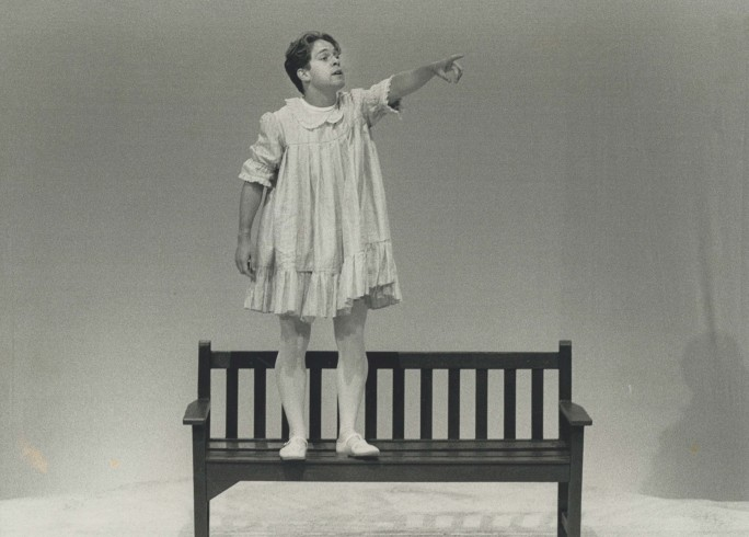 Production photograph - Cloud Nine - Tom Hollander - Photographer unknown - 1989 -  H23.5cm x W30cm