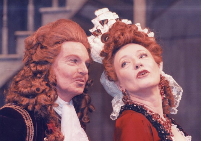 Production photograph - Love for Love - Derek Jacobi, Jennifer Hilary - Photographer Donald Cooper - 1996 - H30xW22cm 1 of 2