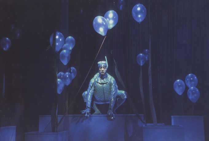 Production photograph - The Water Babies - Steve Elias - Photographer Ivan Kyncl - 2003  - H29.7xW42cm