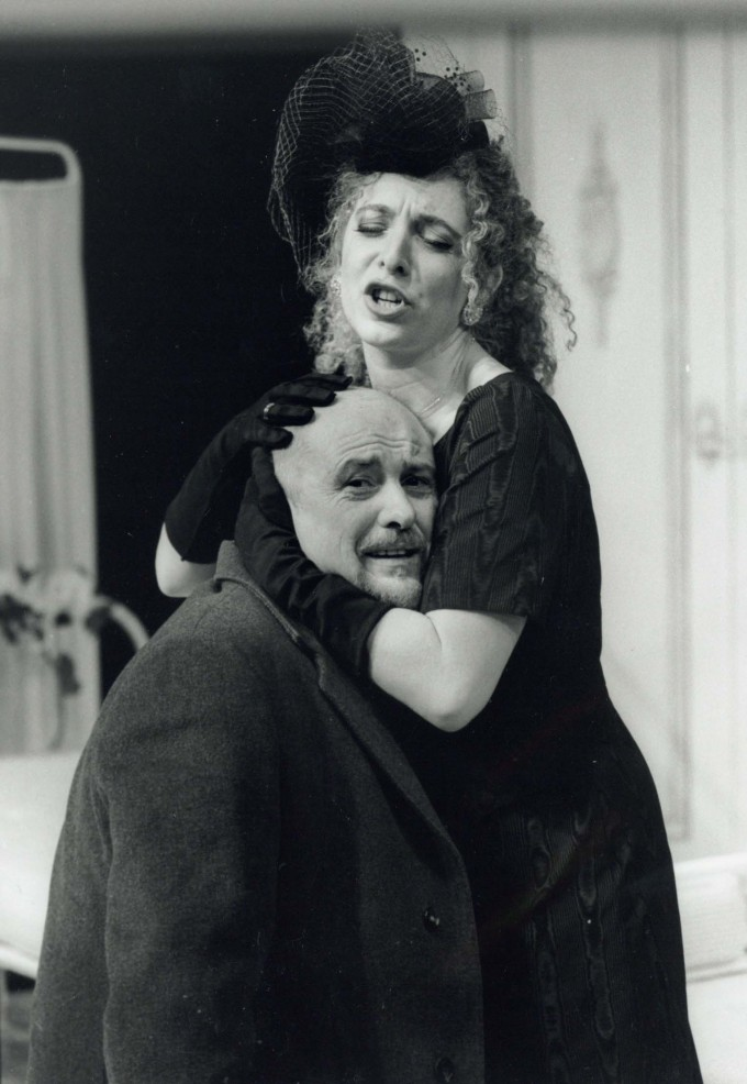 Production photograph - Loot - Tracey-Ann Oberman, Gary Richards - Photographer Tristram Kenton - 1998 - H30xW21cm - 1 of 2