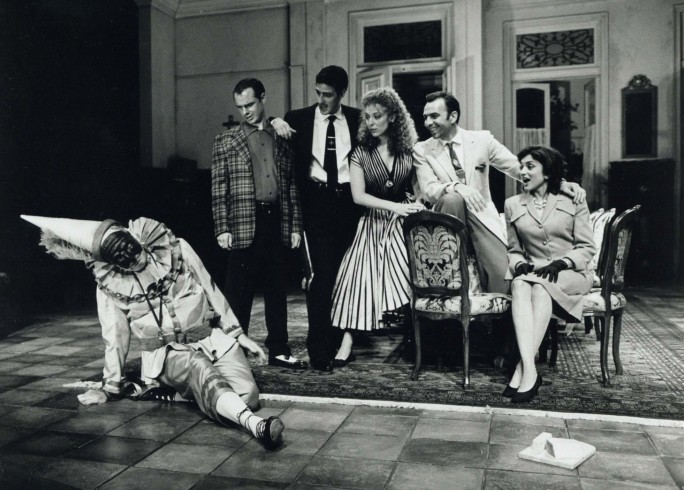 Production photograph - Saturday, Sunday, Monday - Robin Hooper, Gary Whitaker, Alexis Conran, Tracy-Ann Oberman, Jud Charlton, Zarina Rafiq - Photographer Clive Barda - 1998 - H25xW20cm 1 of 2