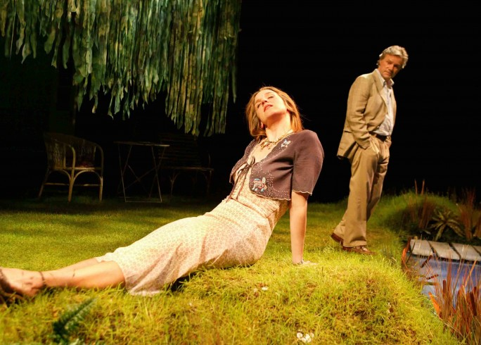 Production photograph - Entertaining Angels - Abigail Thaw, Michael Lumsden - Photographer Robert Day - 2006 - 1 of 4