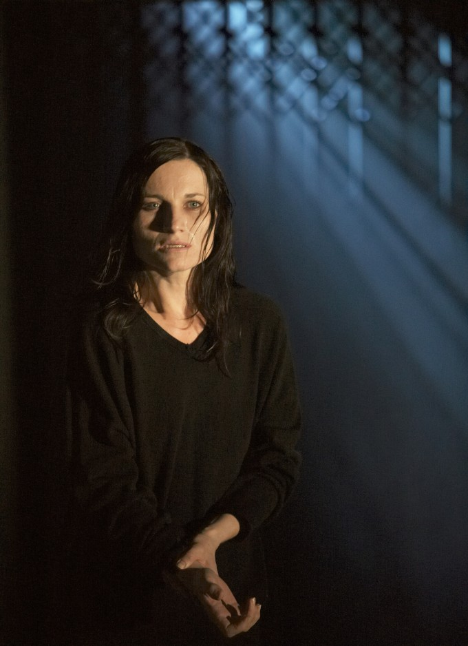 Production photograph - Macbeth - Kate Fleetwood - photographer Alastair Muir - 2007