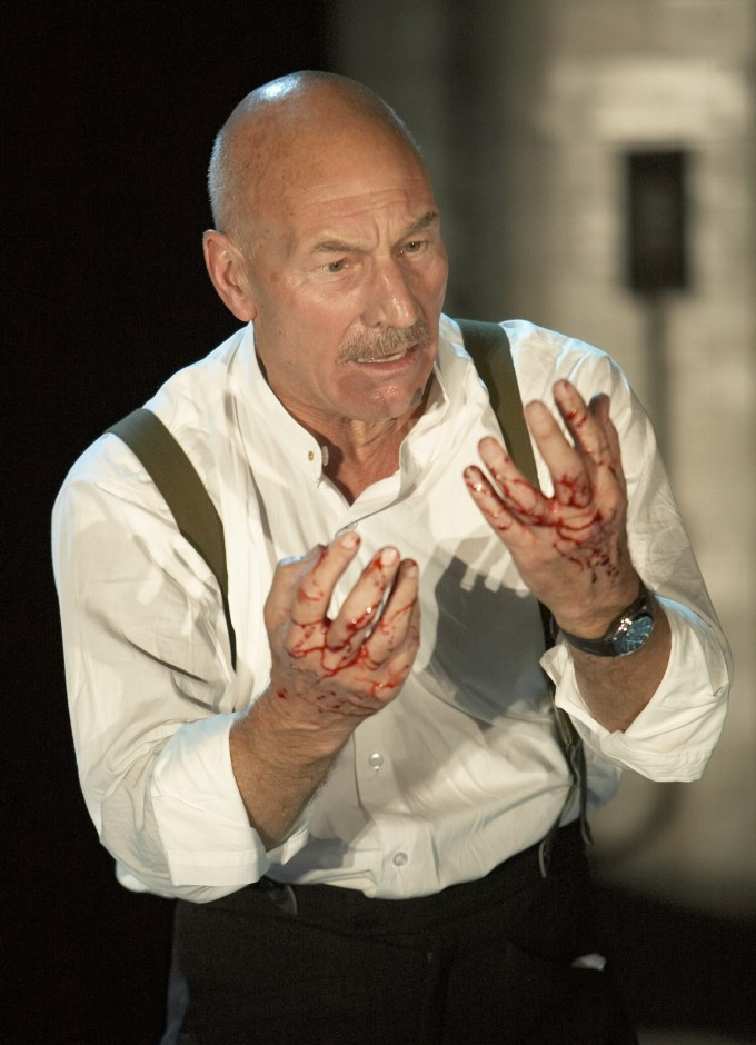 Production photograph - Macbeth - Patrick Stewart - photographer Alastair Muir - 2007 (2)