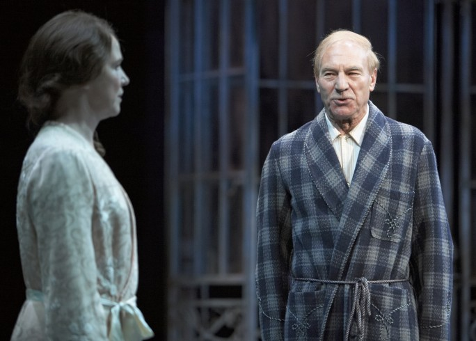Production photograph - Twelfth Night - Suzanne Burden, Patrick Stewart - Photographer Manuel Harlan - 2007