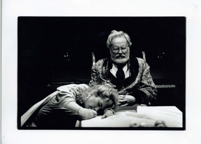 Production photograph - Uncle Vanya - Alec Mc Cowan, Imogen Stubbs - Photographer Nobby Clark - 1996 - H25xW20cm - 1 of 2