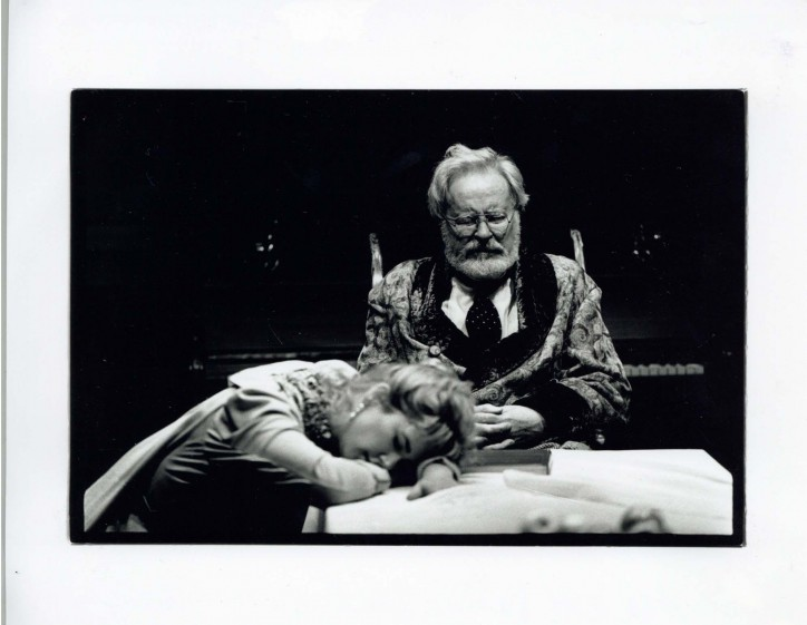 Production photograph - Uncle Vanya - Alec Mc Cowan, Imogen Stubbs - Photographer Nobby Clark - 1996 - H25xW20cm - 1 of 2