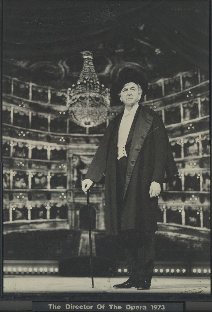 Production photograph - The Director of the Opera - John Clements - Photographer unknown - 1973 - printed on board - H53.5xW36.5cm