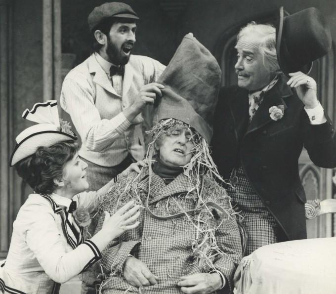 Production Photograph - Dandy Dick - Patricia Routledge, Richard Denning, Alastair Sim, Ralph Michael - 1973 - Photographer John Timbers (2)