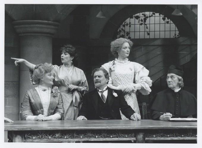 Production Photograph - Getting Married - Barbara Murray, Amanda Waring, Moray Watson, Serena Gordon, Nicholas Amer - Photographer John Timber - 1993 - H20xW25cm 1 of 2