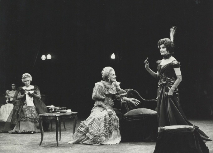 Production photograph - A Woman of No Importance -Gayle Hunnicutt, Margaretta Scott -Photographer Zoe Dominic - 1978