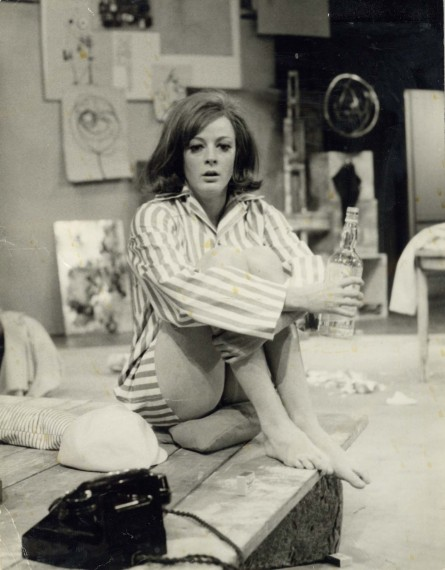 Production photograph - Black Comedy - Maggie Smith - Photographer Manuel Harlan - 1965 - H20xW25cm