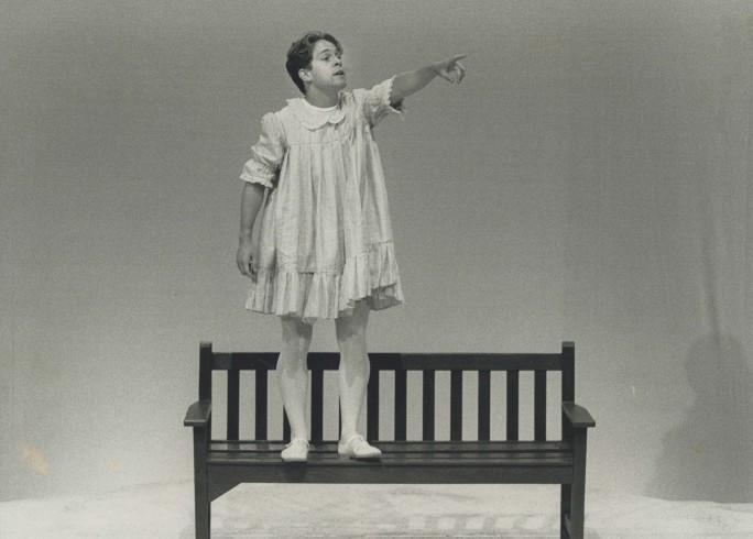 Production photograph - Cloud Nine - Tom Hollander - Photographer unknown - 1989 -  H23.5cm x W30cm