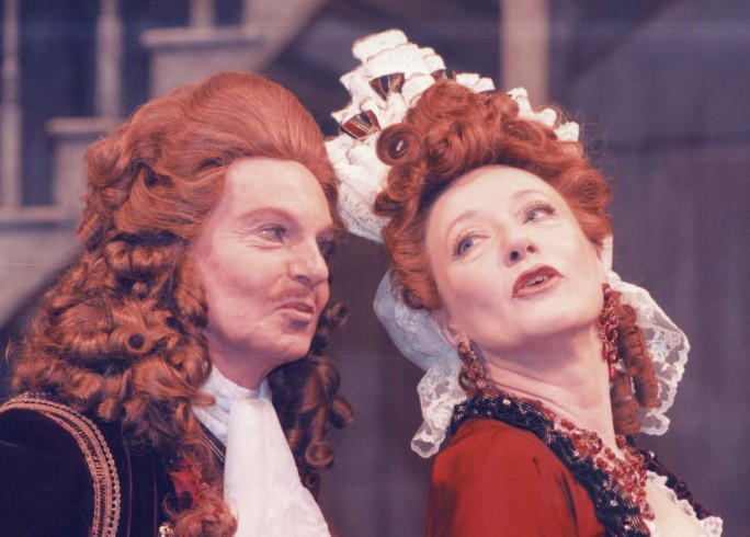 Production photograph - Love for Love - Derek Jacobi, Jennifer Hilary - Photographer Donald Cooper - 1996 - H30xW22cm 1 of 2