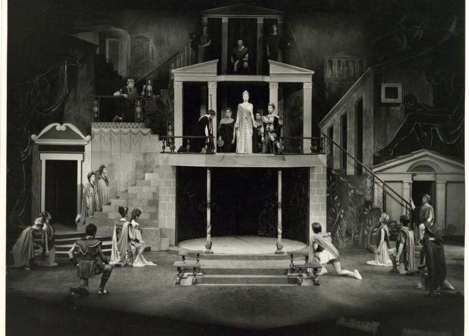 Production photograph - The Broken Heart - Joan Greenwood - Photographer Angus Bean - 1962 - H20xW25cm