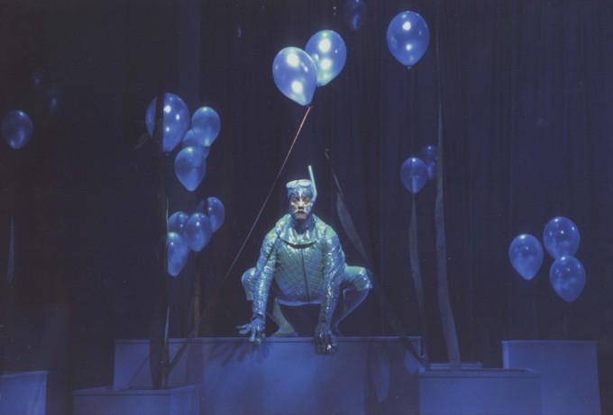 Production photograph - The Water Babies - Steve Elias - Photographer Ivan Kyncl - 2003  - H29.7xW42cm