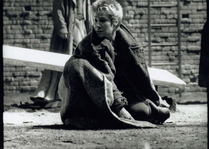 Production Photograph - Electra - Zoe Wanamaker, Andrew Howard - Photographer Ivan Kyncl - 1997 - H25xW20cm 1 of 2