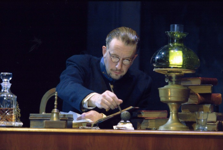 Production photograph -The Father - Jasper Britton - Photographer Catherine Ashmore - 2006 - 4 of 5