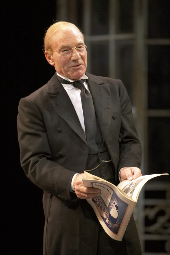 Production photograph - Twelfth Night - Patrick Stewart - Photographer Manuel Harlan - 2007 - 4 of 6