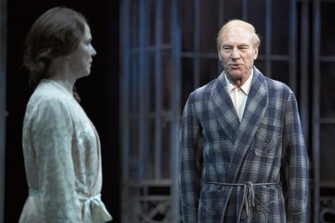 Production photograph - Twelfth Night - Suzanne Burden, Patrick Stewart - Photographer Manuel Harlan - 2007